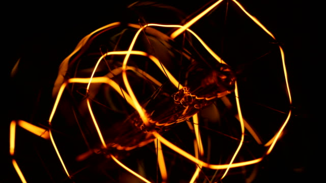 macro glühbirnenfilament - electric lamp stock-videos und b-roll-filmmaterial