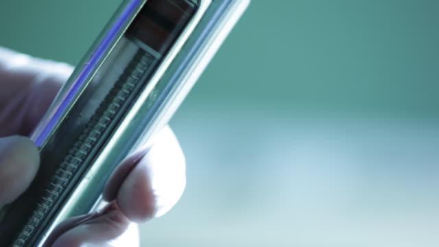 vidéos et rushes de a macro shot of syringe - prophylaxie