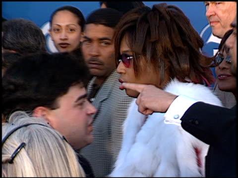 macy gray at the 2001 grammy awards at staples in los angeles, california on february 21, 2001. - メイシー グレイ点の映像素材/bロール