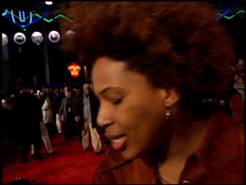 macy gray at the 'all access' imax premiere at universal citywalk in universal city, california on february 18, 2001. - メイシー グレイ点の映像素材/bロール