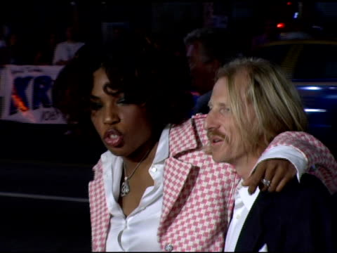 macy gray at the 'domino' los angeles premiere at grauman's chinese theatre in hollywood, california on october 11, 2005. - メイシー グレイ点の映像素材/bロール
