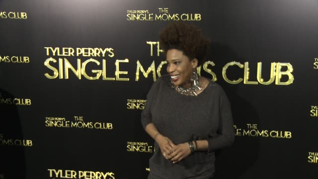 vídeos y material grabado en eventos de stock de macy gray at tyler perry's the single moms club los angeles premiere at arclight cinemas cinerama dome on march 10 2014 in hollywood california - cinerama dome hollywood