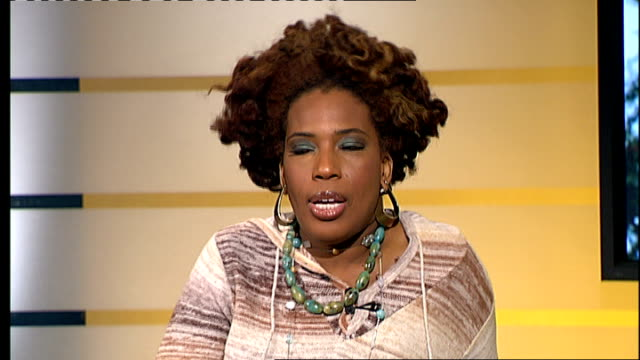 macy gray interview; macy gray interview sot - on problems she had with career - problem was reading newspapers, too it too personally - in the... - メイシー グレイ点の映像素材/bロール