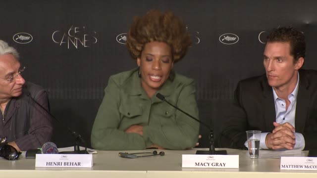 macy gray on less roles for african americans, directors like lee daniels making things different at the paperboy press conference: 65th cannes film... - メイシー グレイ点の映像素材/bロール
