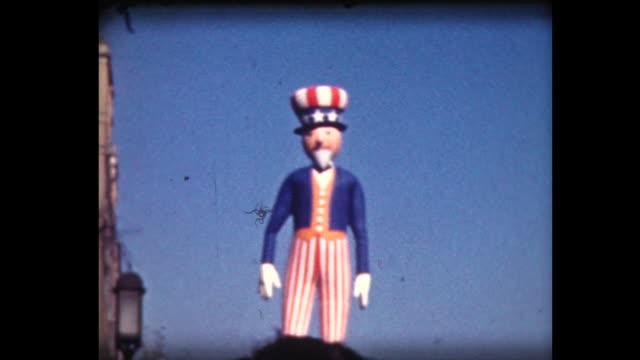 vidéos et rushes de 1939 macy's parade 5 (uncle sam) - défilé