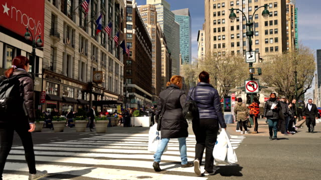 macy's store and view to broadway from 34th street - midtown manhattan stock videos & royalty-free footage