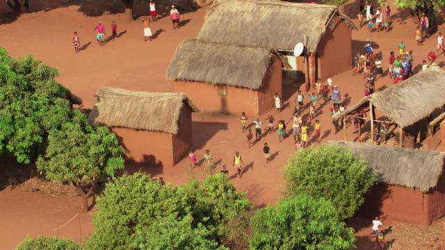 madagascar : farming town - マダガスカル点の映像素材/bロール