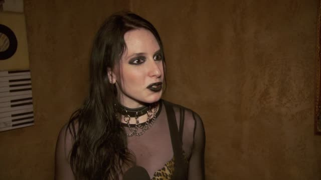 vidéos et rushes de madame mayhem on working with rock legends like john moyer, rudy sarzo at madame mayhem album release party at the cutting room on october 27, 2012... - rock moderne