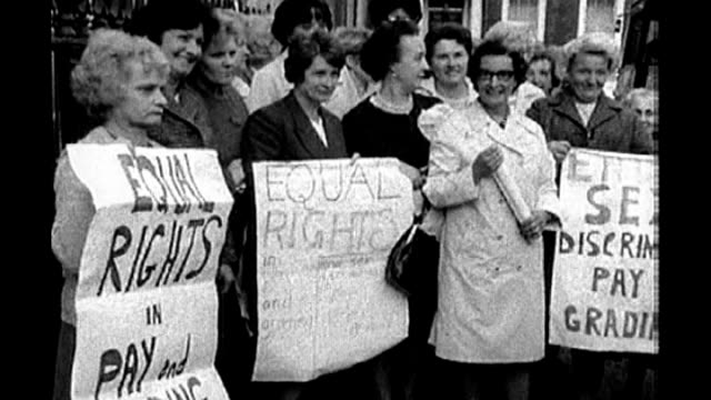 'made in dagenham' film about equal pay for women tx london westminster ext group of dagenham women factory workers demonstrating outside the... - dagenham stock videos & royalty-free footage