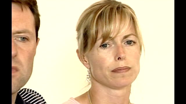madeleine mccann abduction: criticism of border checks / mother's appeal; portugal: algarve: portimao: kate mccann as next to gerry mccann appeal sot... - kate mccann stock-videos und b-roll-filmmaterial