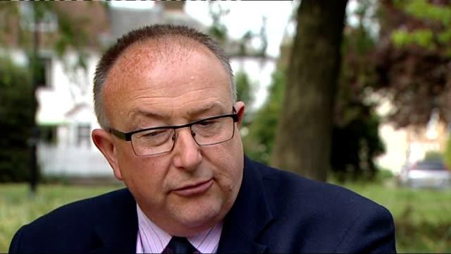 madeleine mccann disappearance: david cameron intervention criticised; colin sutton interview sot - 行方不明点の映像素材/bロール