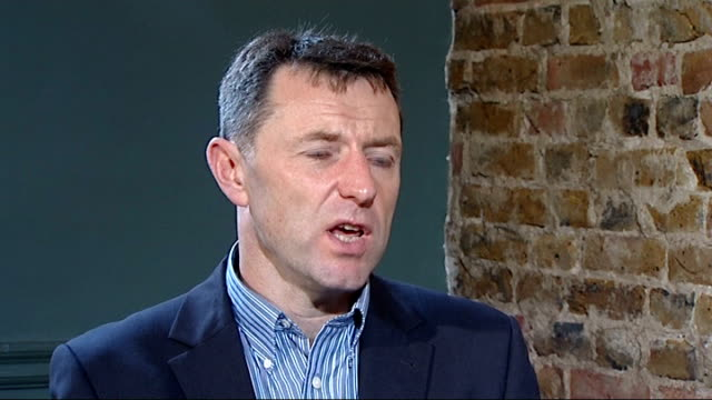 madeleine mccann disappearance: gerry mccann encouraged by new evidence; gerry mccann interview sot - we had letters from the chief constable of... - gerry mccann stock-videos und b-roll-filmmaterial