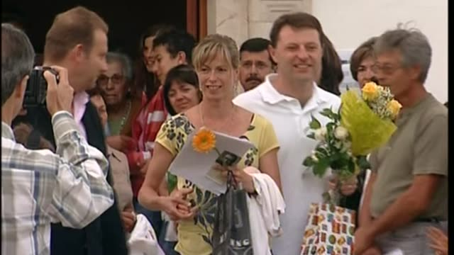 police investigation to be scaled back LIB / T12050707 PORTUGAL Algarve Praia Da Luz Gerry McCann and Kate McCann leave church holding flowers as...