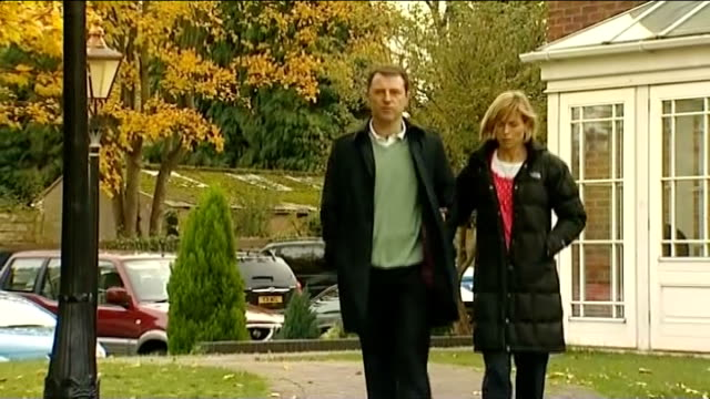 madeleine mccann disappearance: scotland yard review: comments by portuguese detective; lib england: warwickshire: birmingham: ext kate and gerry... - gerry mccann stock-videos und b-roll-filmmaterial