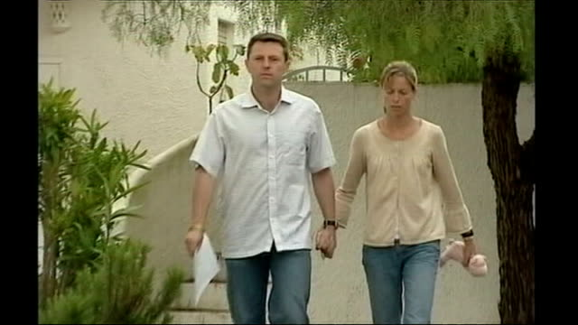 'Tapas 7' awarded libel damages LIB PORTUGAL Algarve Praia da Luz EXT Gerry and Kate McCann towards