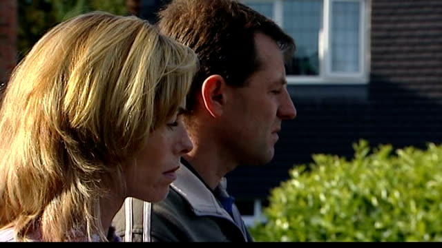 parents hire media expert clarence mitchell; kate and gerry mccann listening - gerry mccann stock-videos und b-roll-filmmaterial