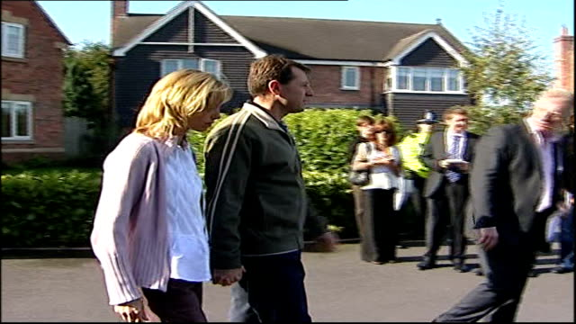 portuguese detective leading case is dismissed lib england leicestershire rothley kate and gerry mccann along to press with clarence mitchell - detective stock videos and b-roll footage