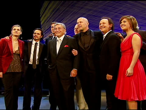 madeleine peyroux marc anthony george clooney tony bennett paul newman bruce willis billy crystal and kelly clarkson at the singers and songs... - bruce willis stock videos and b-roll footage