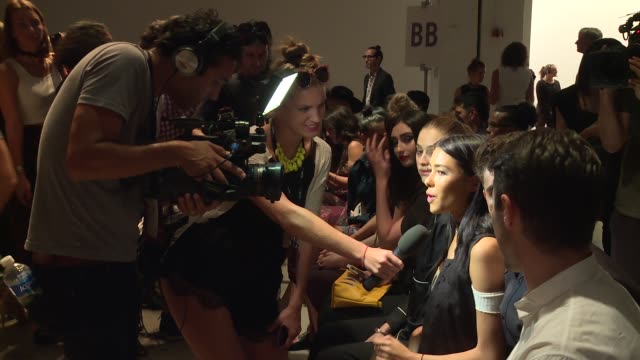 stockvideo's en b-roll-footage met madison beer jack gilinsky and front row guests at erin fetherston runway september 2016 new york fashion week at skylight clarkson sq on september... - skylight clarkson sq