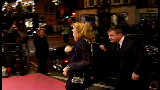 stockvideo's en b-roll-footage met madonna adopts malawi child photography** madonna and husband guy ritchie along red carpet for premier of madonna documentary film night ends - 2005