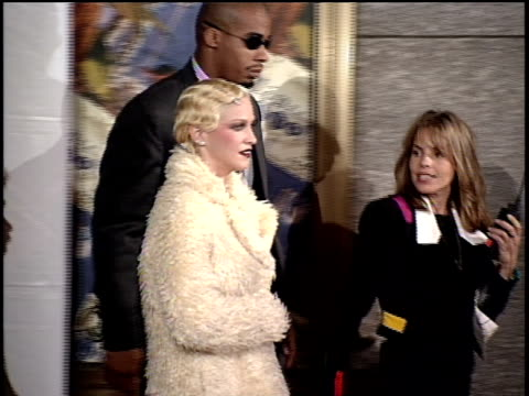 madonna arriving on the red carpet of the 1994 mtv video music awards - 1994 bildbanksvideor och videomaterial från bakom kulisserna
