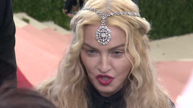 madonna at manus x machina: fashion in an age of technology - costume institute benefit gala - arrivals at metropolitan museum of art at the... - マドンナ点の映像素材/bロール
