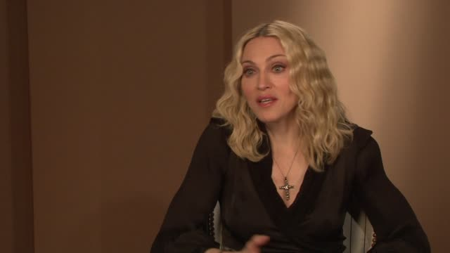 madonna on people not knowing who she was and on how she loved the anonymity until the media descended on malawi at the interview at the majestic... - media interview stock videos and b-roll footage