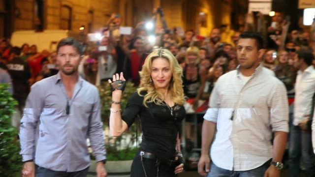 vídeos de stock, filmes e b-roll de clean madonna visits the hard candy fitness rome on august 21 2013 in rome italy - 2013
