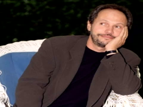 vídeos de stock, filmes e b-roll de madrid 14 mar us actor director and screenwriter billy crystal a familiar face worldwide as the presenter of the oscars on nine occasions turns 64... - billy crystal