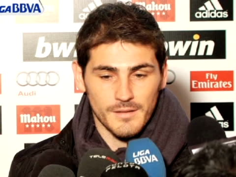madrid 23 jan real madrid captain iker casillas has assured that the first team squad is untied although he refused to deny that there has been clash... - untied stock videos and b-roll footage