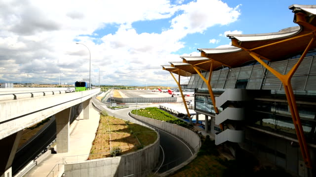 madrid airport, realtime - flughafen stock videos & royalty-free footage
