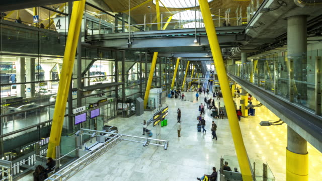 Madrid Barajas Airport Arrivals Level (Timelapse)