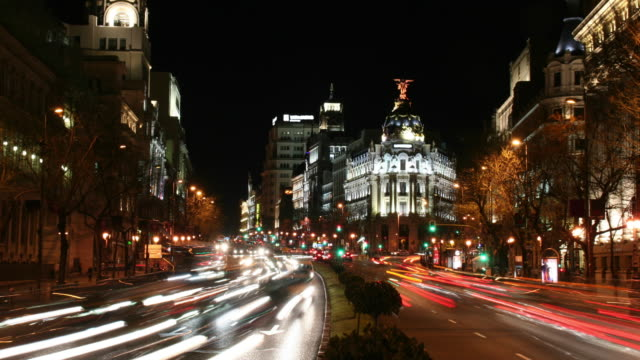 madrid calle de alcalá night rush 4k - madrid stock videos and b-roll footage