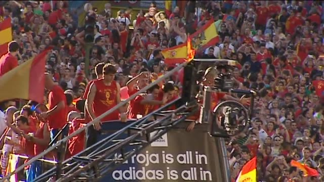 madrid, jul 3 .- football fans in the spanish capital madrid welcomed the national team's return to spanish soil on monday and began celebrations... - national team stock videos & royalty-free footage
