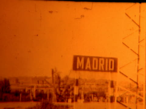 stockvideo's en b-roll-footage met madrid spain sign (archival 1952) - shaky
