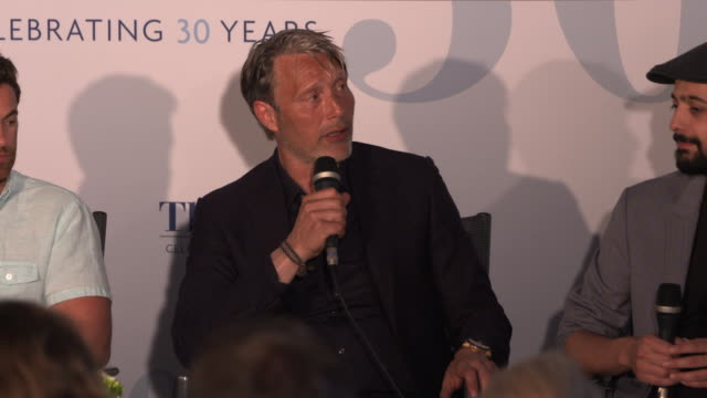 mads mikkelsen on loving the 'arctic' script at film panel: 'arctic' - the 71st annual cannes film festival on may 13, 2018 in cannes, france. - 第71回カンヌ国際映画祭点の映像素材/bロール