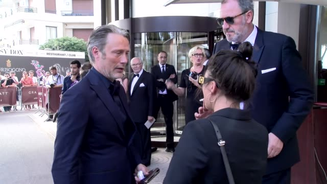 mads mikkelsen on may 23, 2017 in cannes, france. - celebrity sightings stock-videos und b-roll-filmmaterial