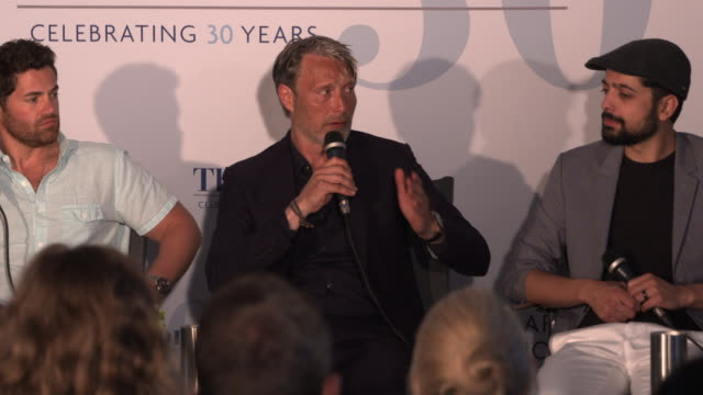mads mikkelsen on the challenges of working in the tough environment at film panel: 'arctic' - the 71st annual cannes film festival on may 13, 2018... - 第71回カンヌ国際映画祭点の映像素材/bロール