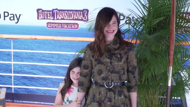 """mae sandler and kathryn hahn at the """"hotel transylvania 3: summer vacation"""" world premiere at regency village theatre on june 30, 2018 in westwood,... - キャスリン ハーン点の映像素材/bロール"""