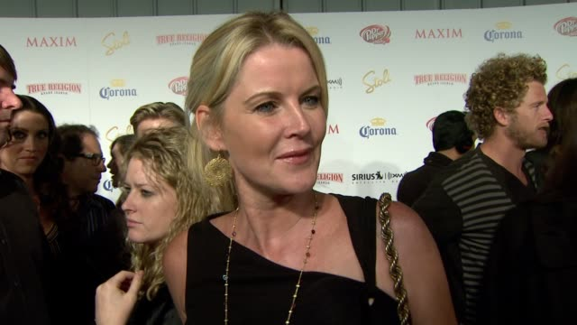 vídeos de stock e filmes b-roll de maeve quinlan on what makes someone hot on who she liked seeing on the list on the party and on maxim hot 100's 10th birthday at the maxim hot 100... - maeve quinlan