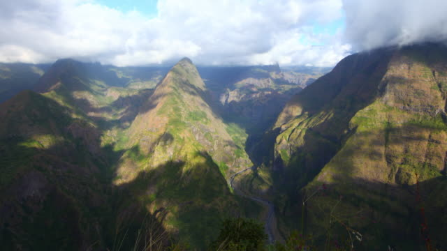 mafate circus from pointe noire in reunion island - mafate cirque stock videos & royalty-free footage