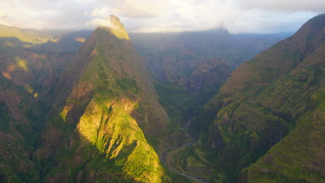 mafate cirque from pointe noire in reunion island - mafate cirque stock videos & royalty-free footage