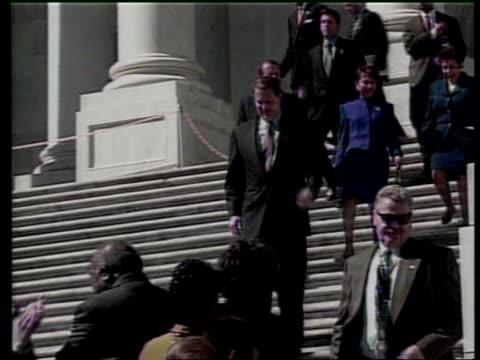 vídeos de stock, filmes e b-roll de money laundering lib mat held bureau vice president al gore greeting supporters - gore