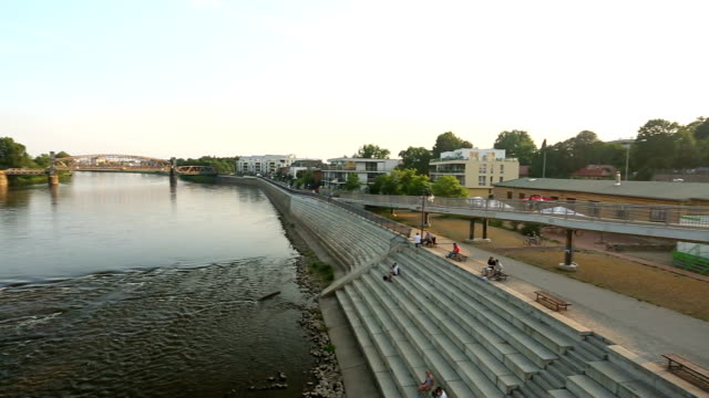 stockvideo's en b-roll-footage met magdeburg with river elbe, camera pan - hersenstam