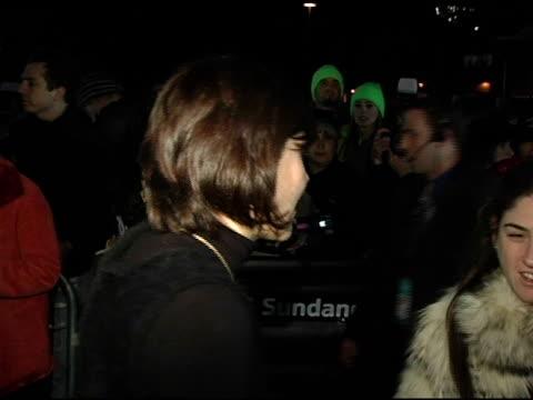 vídeos de stock e filmes b-roll de maggie gyllenhaal at the 2005 sundance film festival 'happy endings' opening night premiere at the eccles theatre in park city utah on january 20 2005 - park city utah
