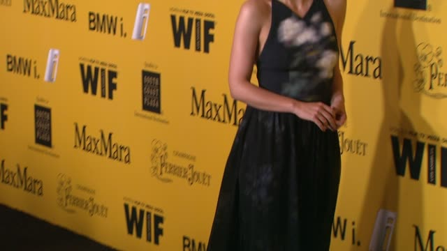 stockvideo's en b-roll-footage met maggie gyllenhaal at the 2014 women in film crystal lucy awards presented by max mara bmw perrierjouet and south coast plaza at the hyatt regency... - century plaza