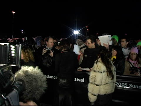 maggie gyllenhaal signing autographs at the 2005 sundance film festival 'happy endings' opening night premiere at the eccles theatre in park city,... - park city utah video stock e b–roll