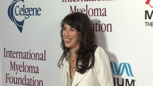 maggie wheeler at international myeloma foundation 7th annual comedy celebration benefiting the peter boyle research fund & supporting the black swan... - peter boyle stock videos & royalty-free footage