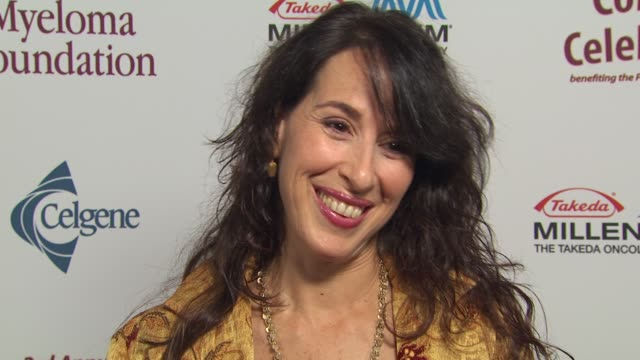 maggie wheeler on the event, working with peter boyle at the international myeloma foundation's 3rd annual comedy celebration at los angeles ca. - peter boyle stock videos & royalty-free footage