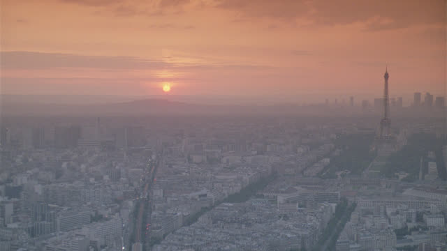 h-d magic hour paris france; amazing shot - downtown stock videos & royalty-free footage